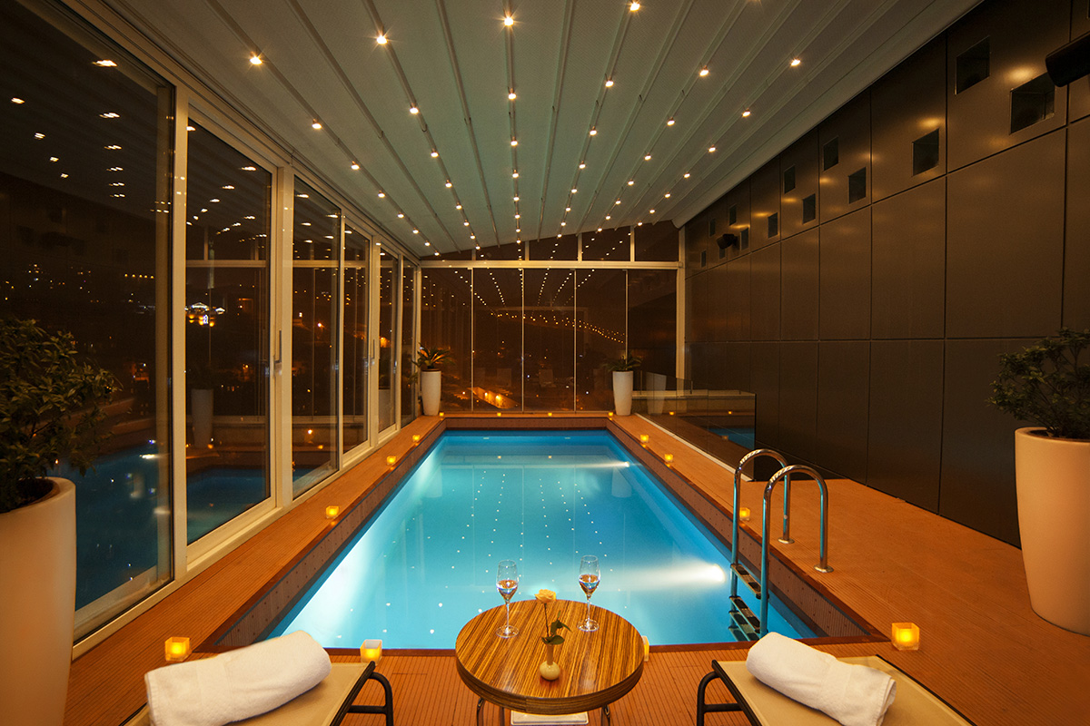 Opera Suite Hotel Yerevan swimming pool