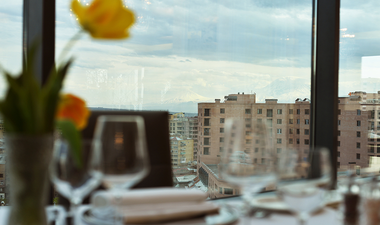 Opera Suite Hotel Yerevan Romantic dinner for two
